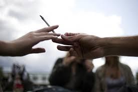"""Peillon: le cannabis au lycée, question de """"santé publique"""" appelant une réponse """"globale"""""""