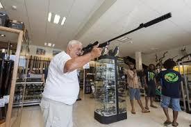 """Nouvelle-Calédonie: décret sur les armes à feu """"début mars"""""""
