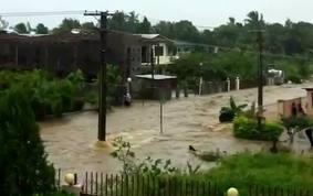 Nadi, ville morte, une nouvelle fois sous les eaux