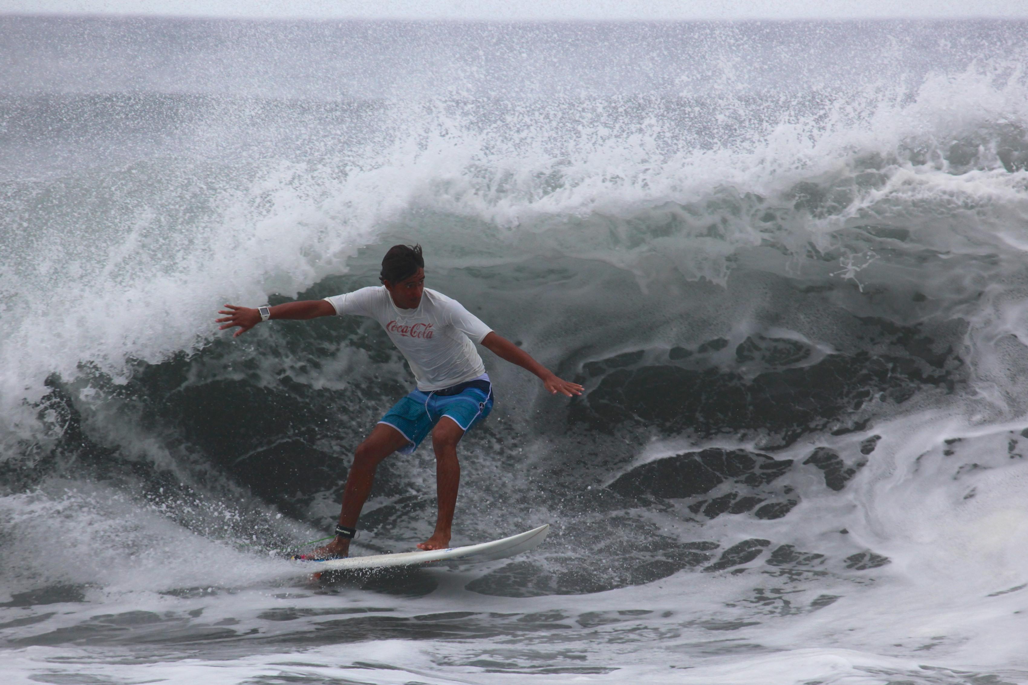 Surf Junior – William Peckett, magistral à Papenoo