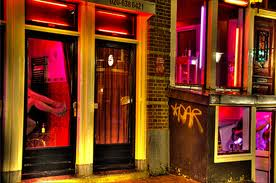 """A Amsterdam, le musée de la prostitution vous place derrière les """"fenêtres"""""""