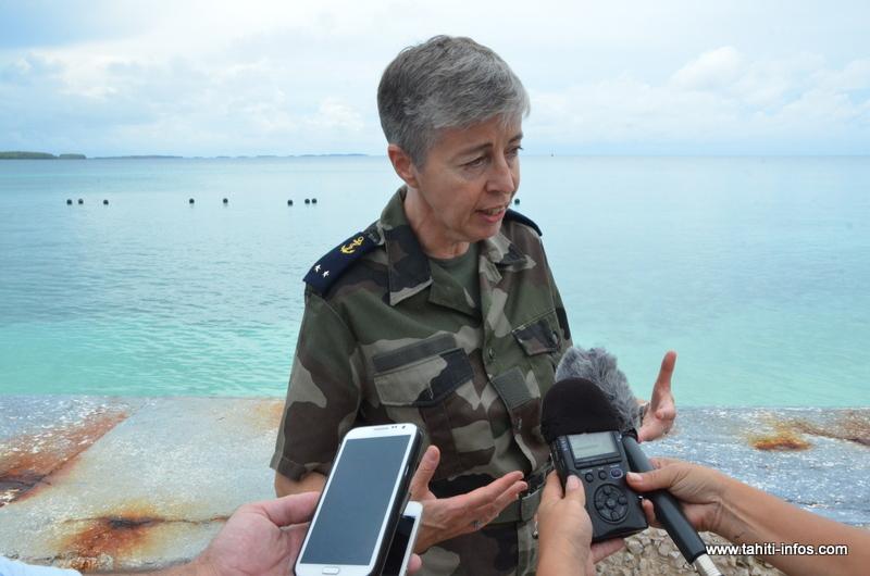 La contre-amiral Anne Cullere, Comsup de Polynésie française. Photo prise jeudi 13 février à Moruroa lors d'un voyage de presse.