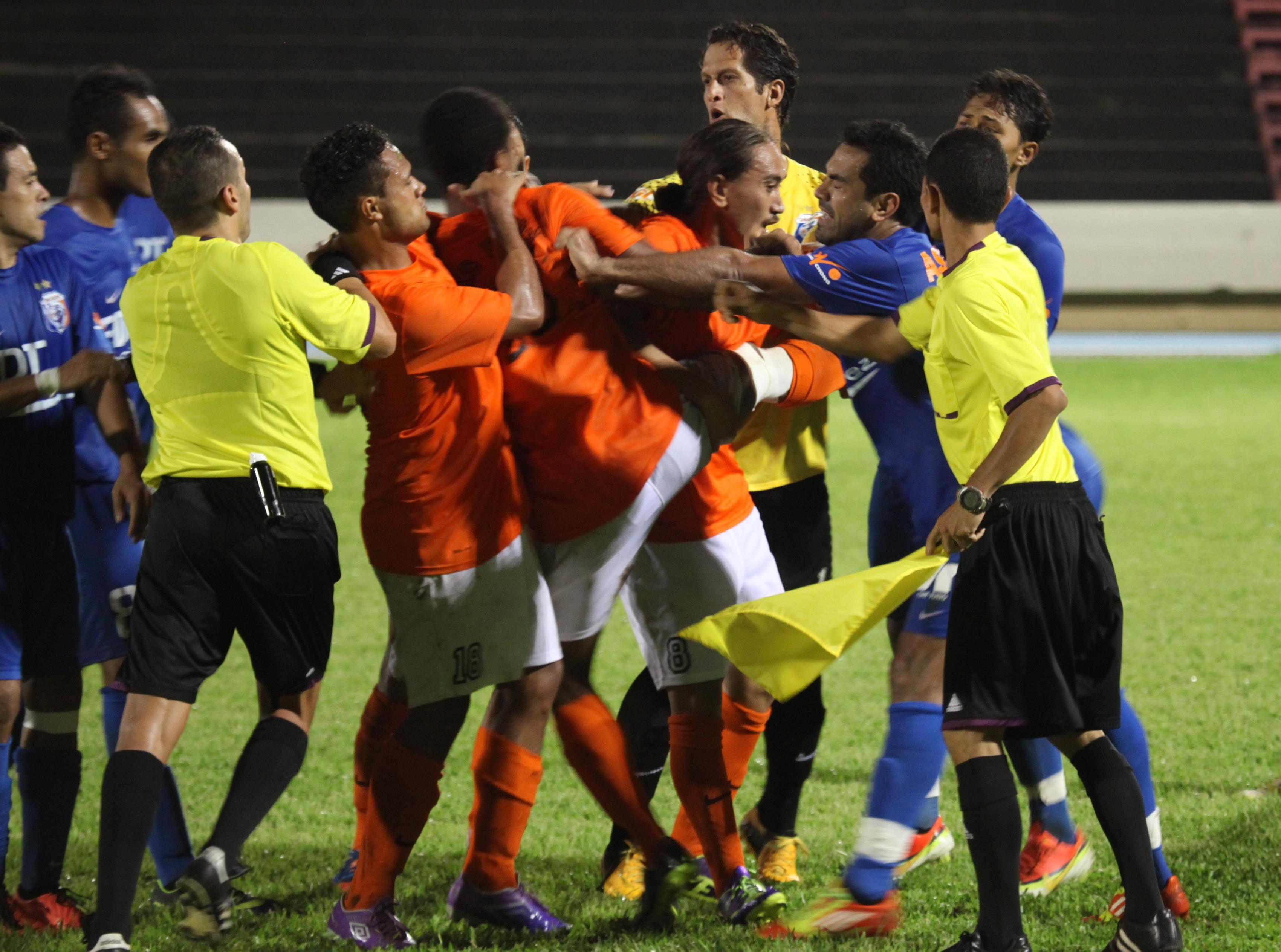 Football championnat de ligue 1 – De la tension et du suspense !