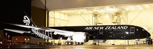Air New Zealand: Le nouveau B787 sort tout juste,fin prêt, de l'atelier peinture de Seattle