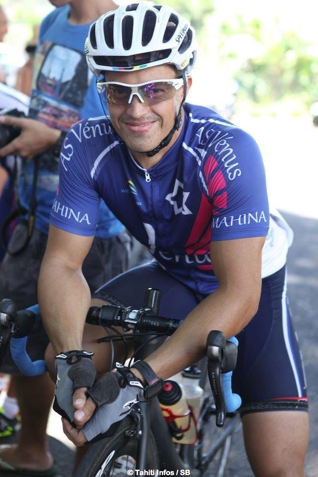 Super Mike gagne un triathlon et une course de vélo de 80 km en un week end !