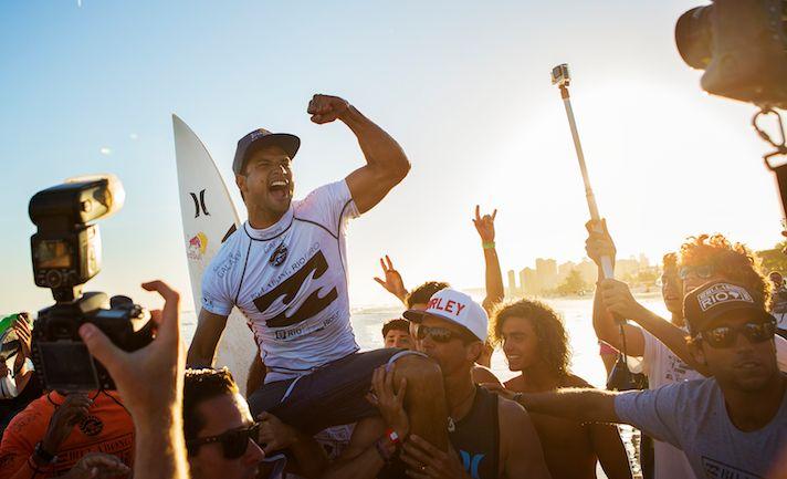 Le surfeur né à Rurutu se hisse au 4ème rang mondial (© ASP/ Smorigo)