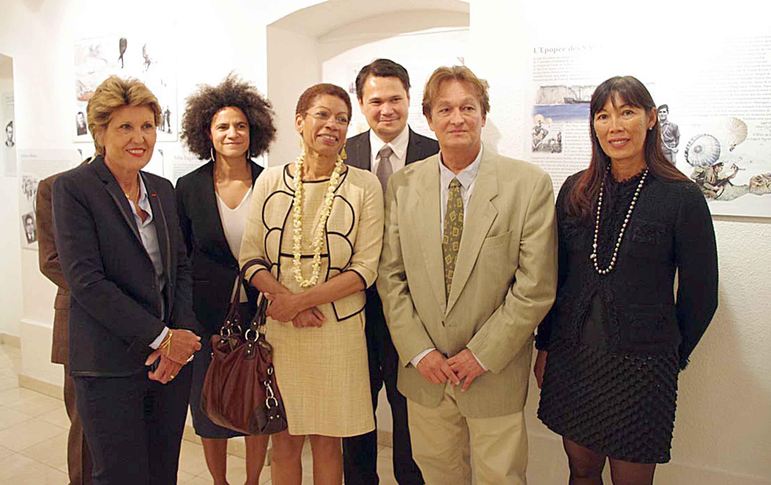 Inauguration à la Délégation de la Polynésie française à Paris de l'exposition Tamari'i volontaires
