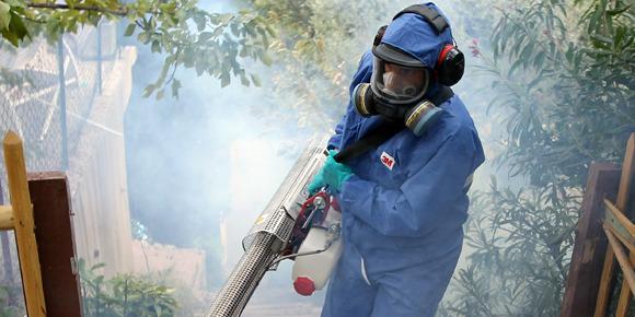 Guadeloupe: Renforts de sapeurs-pompiers pour lutter contre le chikungunya
