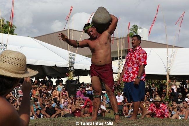 Eriatara a soulevé la pierre de 160 kg le plus rapidement