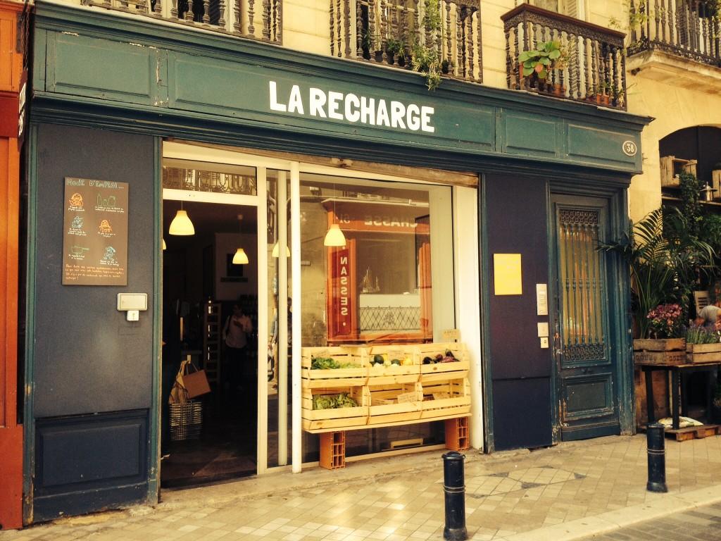 A Bordeaux, un concept inédit d'épicerie sans emballages jetables