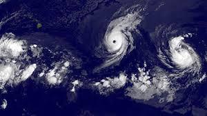 Hawaï: l'ouragan Iselle attendu jeudi soir, Julio grimpe en catégorie 2