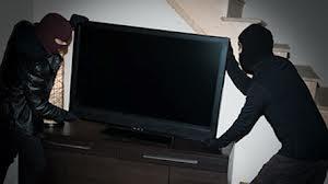 Surpris, les voleurs rapportent la TV... mais oublient leur portable