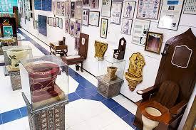 Toilettes et pots de chambre en vedette dans un nouveau musée à Prague