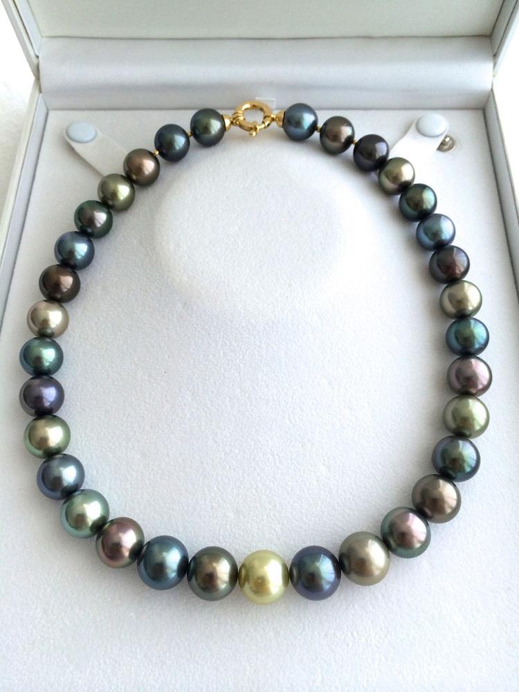 Le collier qui sera remis au lauréat de ce concours : d'une valeur de 1 million de Fcfp.