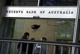 Australie: des usagers poursuivent leurs banques pour pénalités excessives