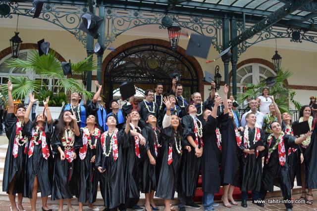L'Ecole de commerce de Tahiti célèbre ses diplômés 2014
