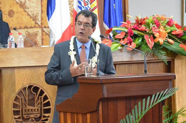 A 62 ans, dont la moitié passés dans une carrière politique au sein du Tahoeraa, Edouard Fritch est devenu ce vendredi 12 septembre le nouveau Président de la Polynésie française en raison de la destitution de Gaston Flosse, contraint d'abandonner son mandat.
