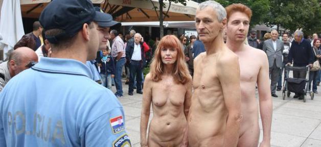 Trois artistes suisses arrêtés en Croatie pour avoir défilé nus