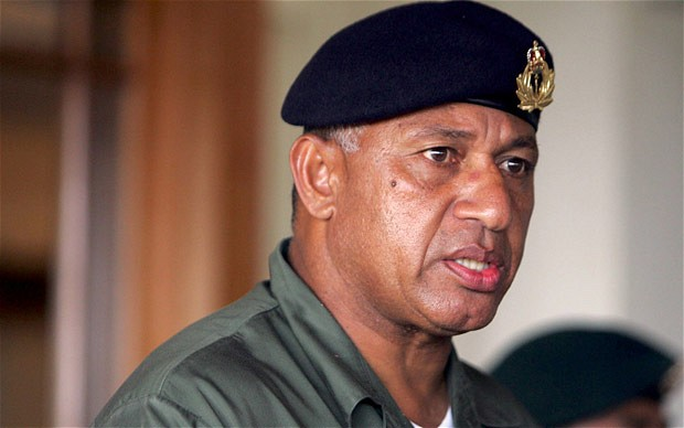 Fidji: l'ex-putschiste Bainimarama revendique la victoire aux législatives