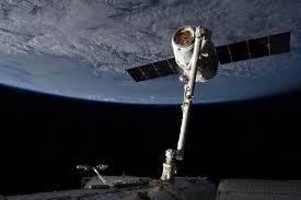 USA: La capsule non habitée Dragon de SpaceX réussit son rendez-vous avec l'ISS