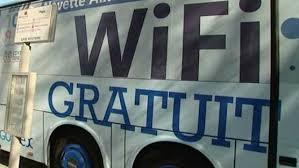 Des Britanniques abandonnent leur premier enfant contre... du wifi gratuit