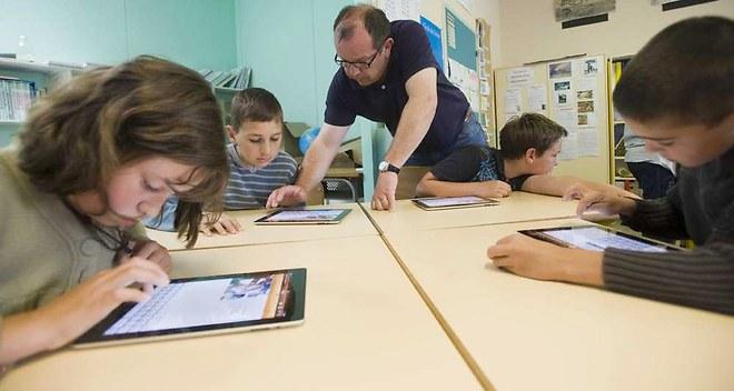 Près d'un tiers des profs utilisent des manuels numériques