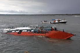 Naufrage en Indonésie: 17 morts, une vingtaine de disparus vers Bali