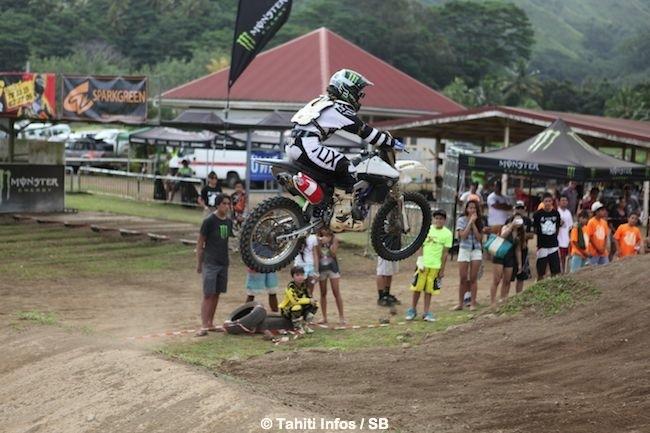 Raiarii Vonbalou gagne en MX 1