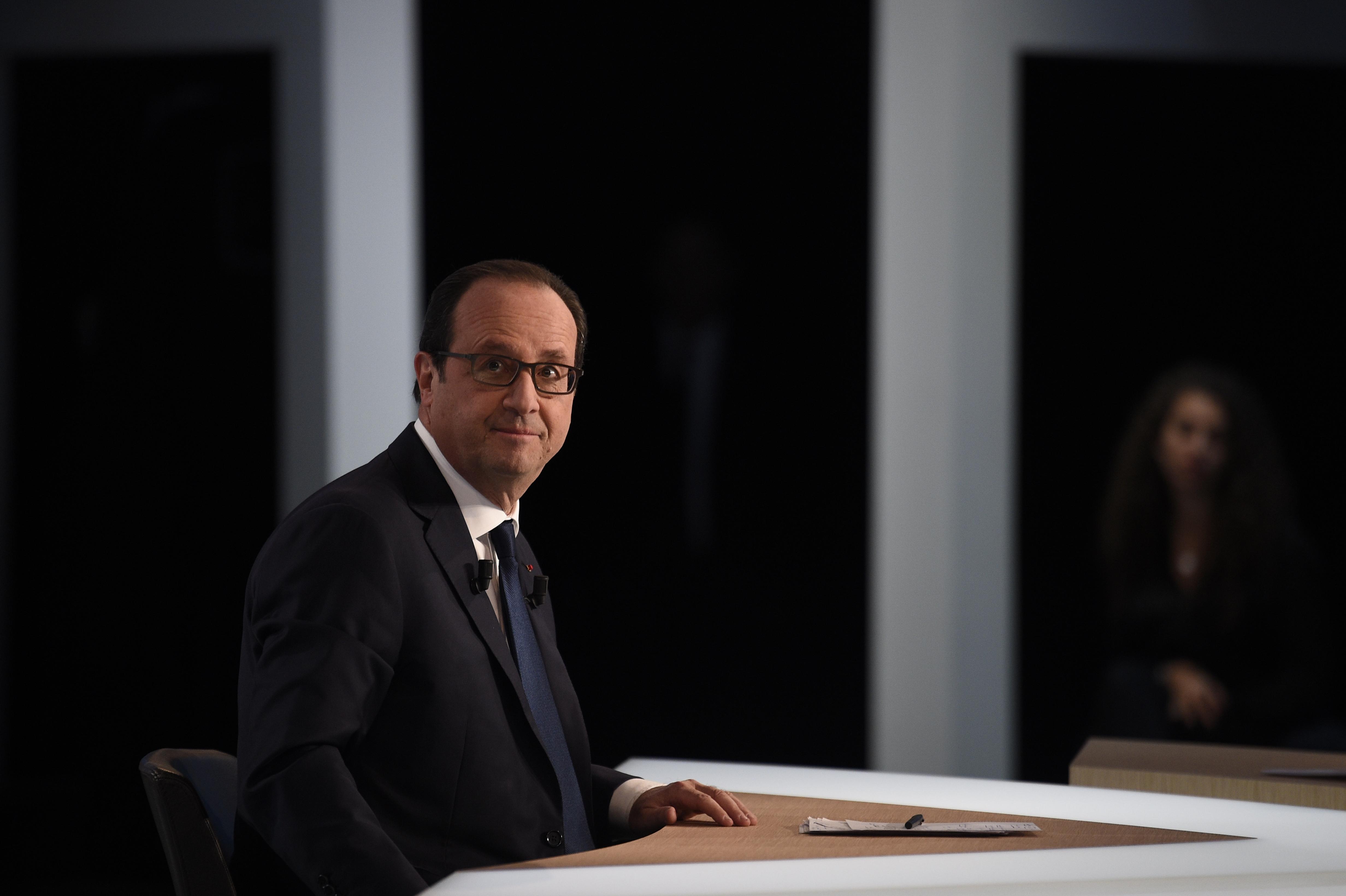 Nouvelle-Calédonie: délicate visite de Hollande parmi une classe politique éclatée