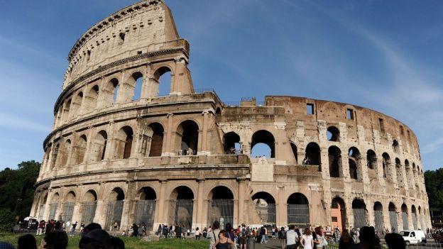 Il grave son initiale sur le Colisée: 20 000 euros d'amende