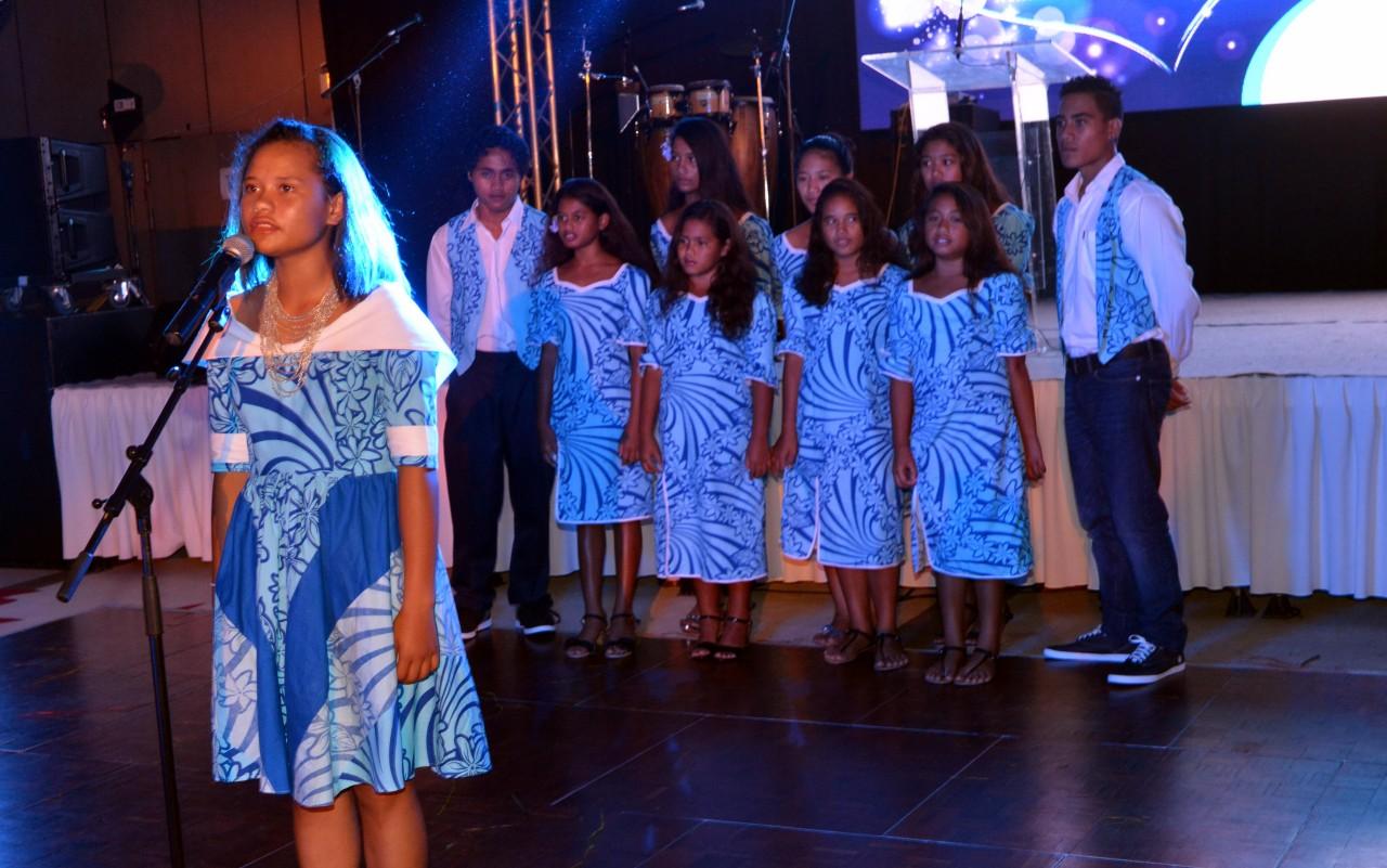 Les enfants du village ont remercié les donateurs avec un tour de chant