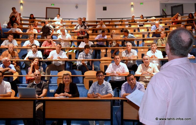 Frédéric Dock, président d'OPEN, en train de conclure les conférences et de lancer les ateliers.