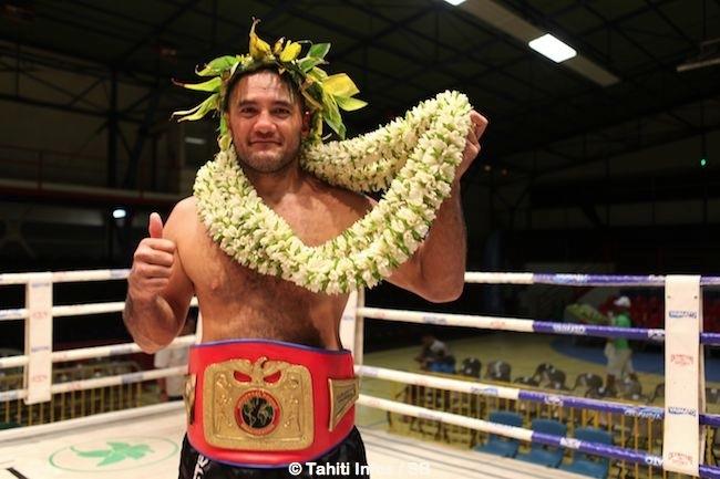 Temoo remporte la ceinture mais s'est montré déçu de n'avoir pu combattre