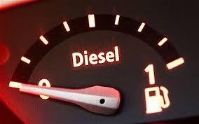 """Haro sur le diesel, le gouvernement veut réparer l'""""erreur"""" de l'avoir favorisé"""