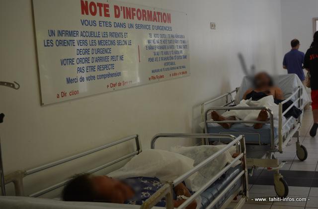 En dépit de la longue attente et des messages de la direction de la santé pour que la population aille consulter en priorité dans les dispensaires et chez les médecins libéraux, l'afflux de malades atteints de chikungunya aux urgences du CHPF n'a pas faibli.