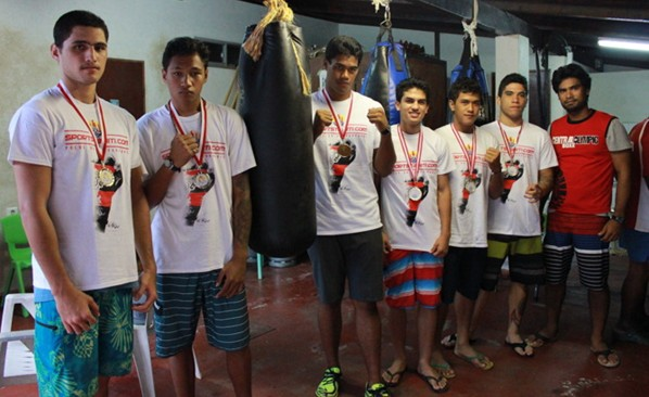 Le club Central Olympic fait le doublé : 1ère équipe aux Championnats de Polynésie Novice et Open 2014.