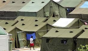 Australie: des réfugiés désespérés avalent des lames de rasoir