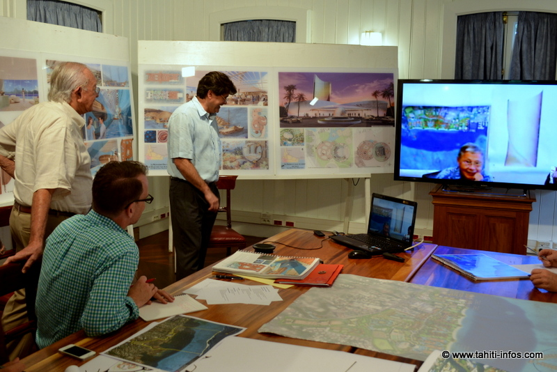 En aout dernier, Gaston Flosse discutait du projet Mahana Beach avec Francis Oda