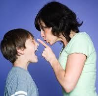 """""""On nous prend pour de mauvais parents"""", témoigne la mère d'enfants hyperactifs"""