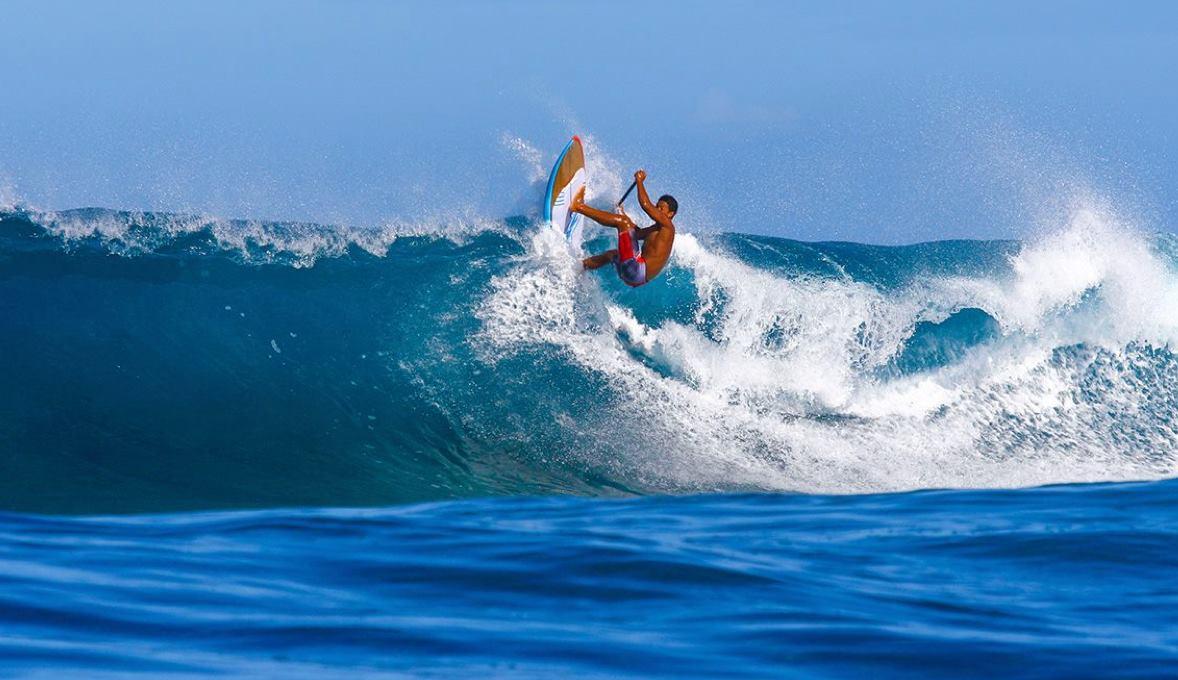 Stand Up World Tour – Sunset Beach Pro : Poenaiki Raioha est le denier Tahitien en lice.
