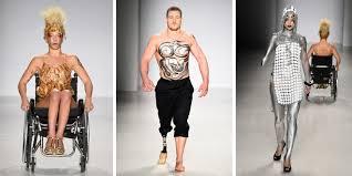 Le styliste des stars transforme le handicap en accessoire de mode
