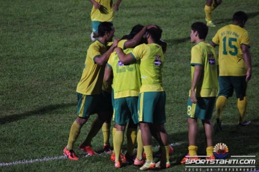 Foot Ligue 1 Vini : Tefana sacré champion de Tahiti 2015