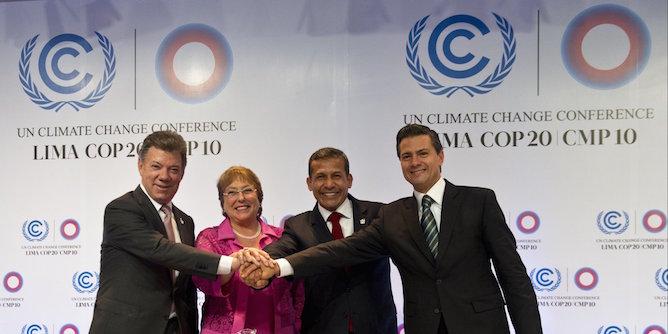 """Conférence climat : Fabius salue """"très positivement"""" les engagements du Mexique"""