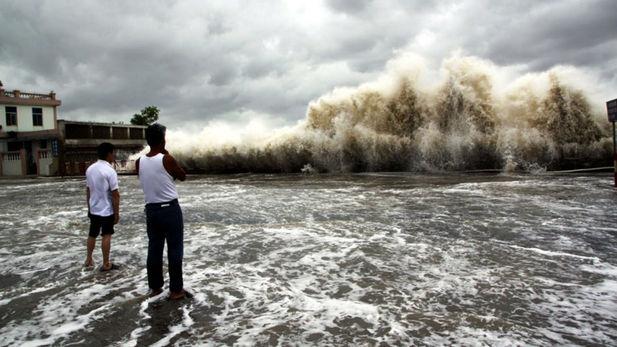 Dans le Pacifique, le super-typhon Maysak fait cinq morts