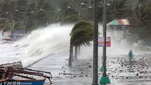 Les Philippines demandent la prudence à l'approche d'un typhon