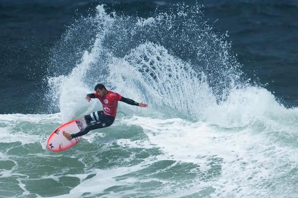 Surf – Rip Curl Pro : Pas assez de vagues pour Michel Bourez, éliminé prématurément.