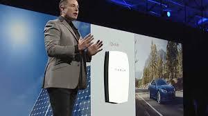 """Tesla lance une batterie pour """"transformer l'énergie mondiale"""""""