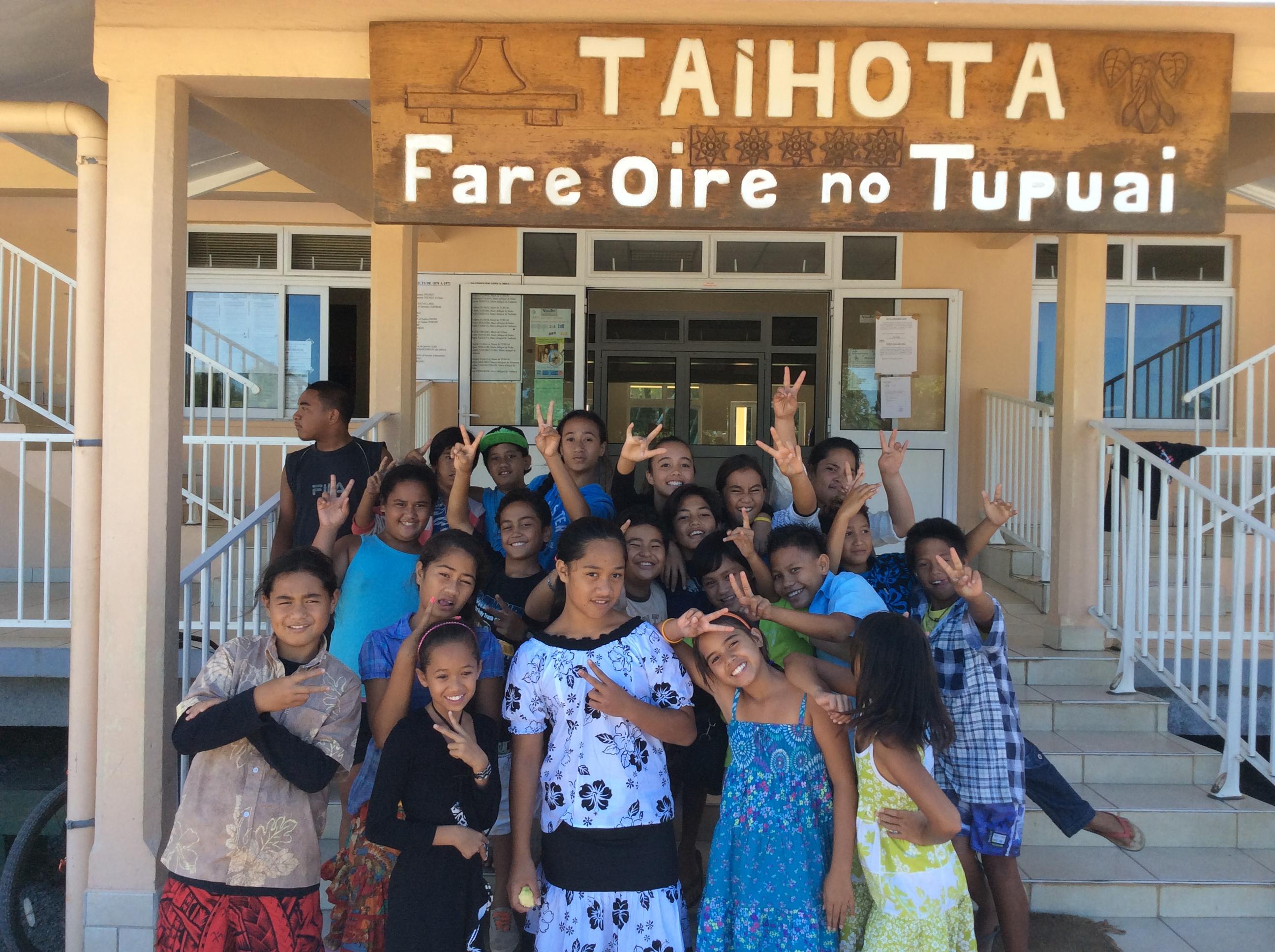 Les élus de Tubuai adoptent une charte pour l'océan rédigée par les enfants