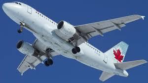 Une jeune Canadienne accouche dans un avion au dessus du Pacifique