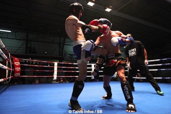 Benjamin Desnos a utilisé toute la panoplie des coups de la boxe thaï, dont les coups de genou.